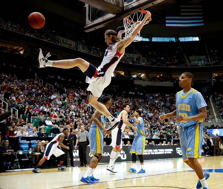 Gonzaga Bulldogs forward Kelly Olynyk (13) dunks as the Bulldogs face the Southern Jaguars