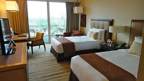 review marina bay sands hotel in singapore schwimmen auf etage 57 mit traumhaftem ausblick. Black Bedroom Furniture Sets. Home Design Ideas