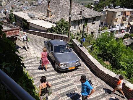 65. Strazile din Gjirokaster.JPG