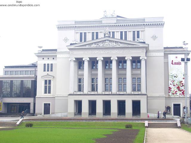 Ópera-Nacional-Riga-Letonia.JPG
