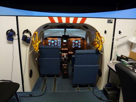 Simulator zbor la scoala de piloti Carpatair