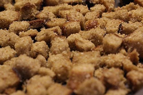 parmesan-croutons_1525_thumb[3]