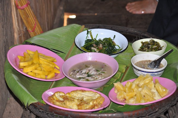 Imagini THailanda: Pranzul la localnici in satul Akha, Thailanda
