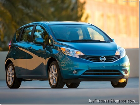 Nissan-Versa_Note_2014_800x600_wallpaper_07