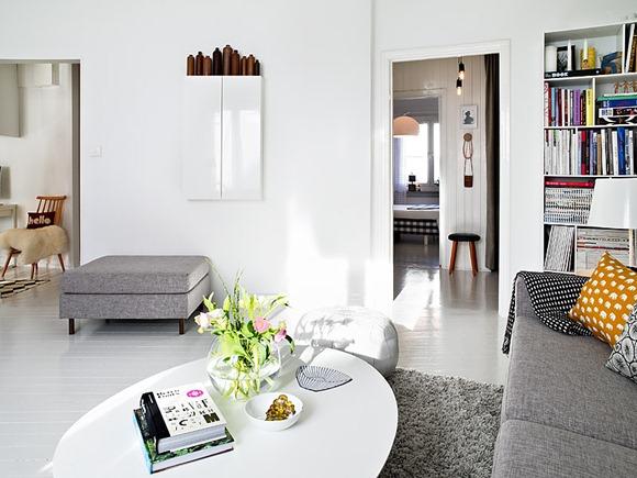 decoración living en blanco y gris con estilo sueco