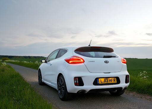 Yeni-Kia-Pro-Ceed-GT-2014-30.jpg