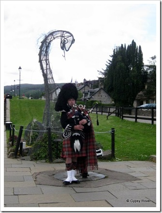 Piper at Fort Augustus on the Caledonian Canal.