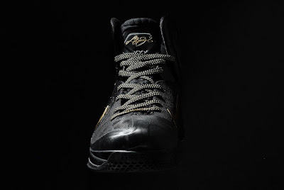 nike lebron 9 ps elite black gold away 11 09 kenlu LeBron 9 P.S. Elite White/Gold (Home) & Black/Gold (Away)