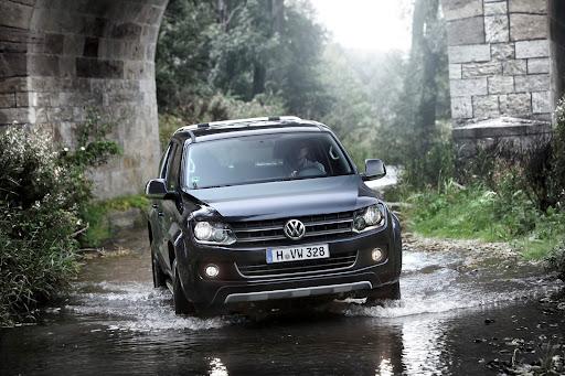 2013-VW-Amarok-01.jpg