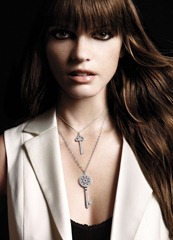 celebrity necklace style