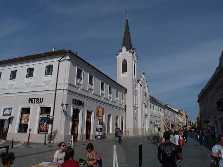 Biserica pe strada pietonala din Oradea