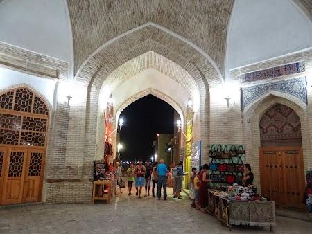 28, Bazar turistic.JPG