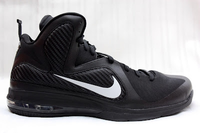 nike lebron 9 pe black white 1 01 PE Spotlight // Nike LeBron 9 Triple Black with White Swoosh