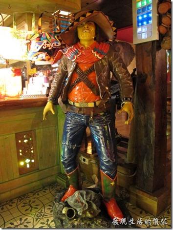屏東墾丁-冒煙的喬。在墾丁冒煙的喬有許多真人大小的塑像,描繪墨西哥的人物。