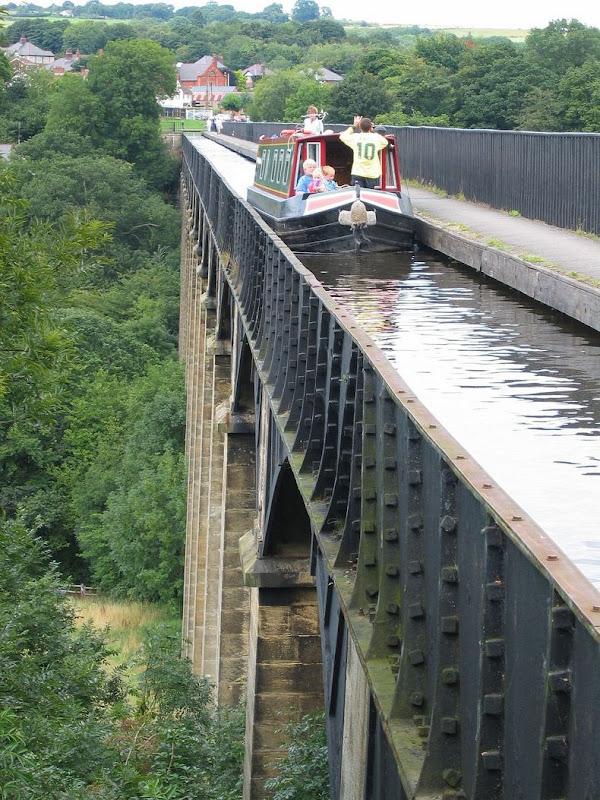 Pontcysyllte-Aqueduct-0