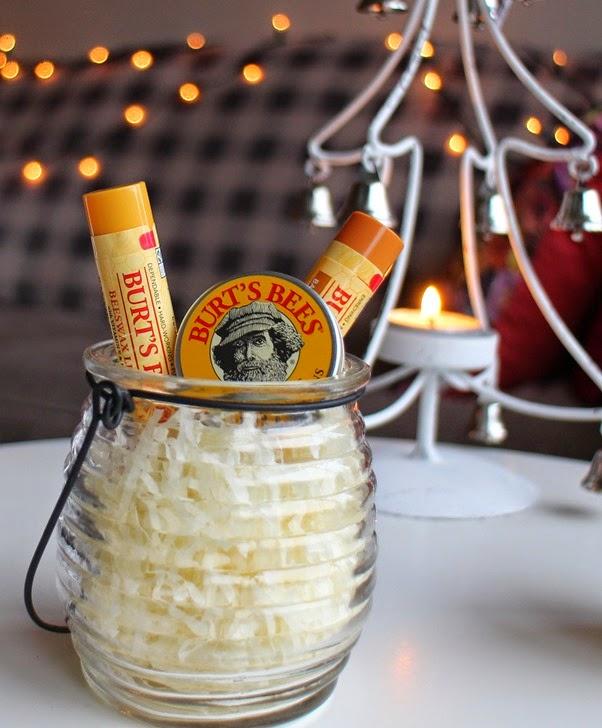 Burt-Bees-Balm-gift-set-honeypot