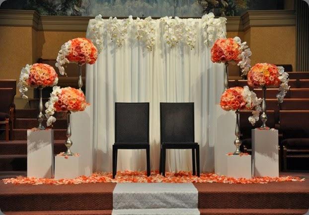 altar area 386909_355317954544022_1909747612_n hacman floral