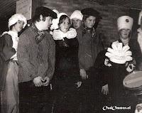 14.10.1978.  Ter gelegenheid van de opening van de nieuwbouw (lokaal groep 1 en 't Trefpunt) voeren de leerlingen een musical op (1)