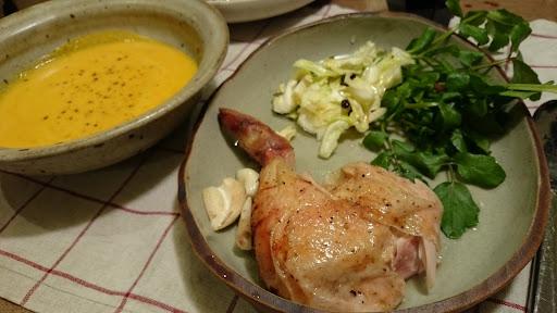 [写真]丸鶏のロースト & かぼちゃのポタージュ