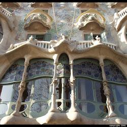 27.-Gaudí. Casa Milá