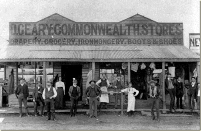 Gearys Commonwealth Stores in Chinchilla around 1913