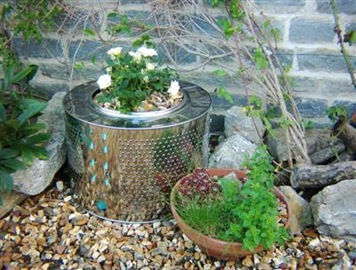 Recycled_planter_from_washing_machine