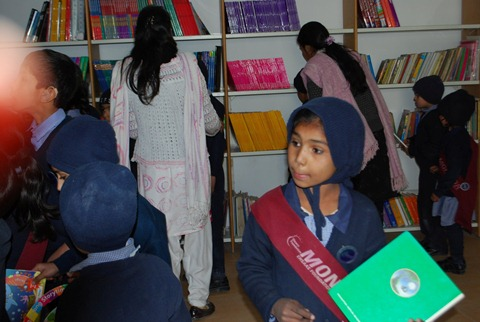Rotary Books for the World_Hashoo Foundation Distribution (93)