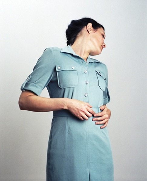 Woman in blue dress (2008) (86 x 96 cm)