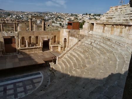 Obiective turistice Jerash: Teatrul de Sud