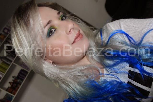 cabelo com as pontas azul, keraton azul
