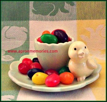 Chick egg holder with jelly beans www