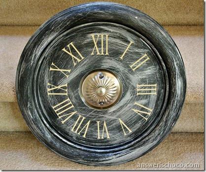 Vinyl Face Faux Vintage Clock