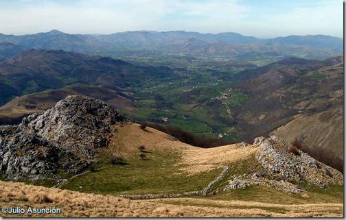 Panorámica desde la rampa de acceso a la cima de Behorleguy