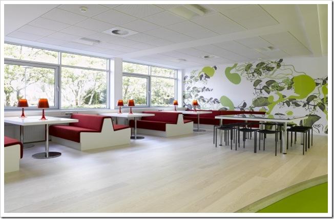 desain interior dengan konsep hijau pada kantor lego