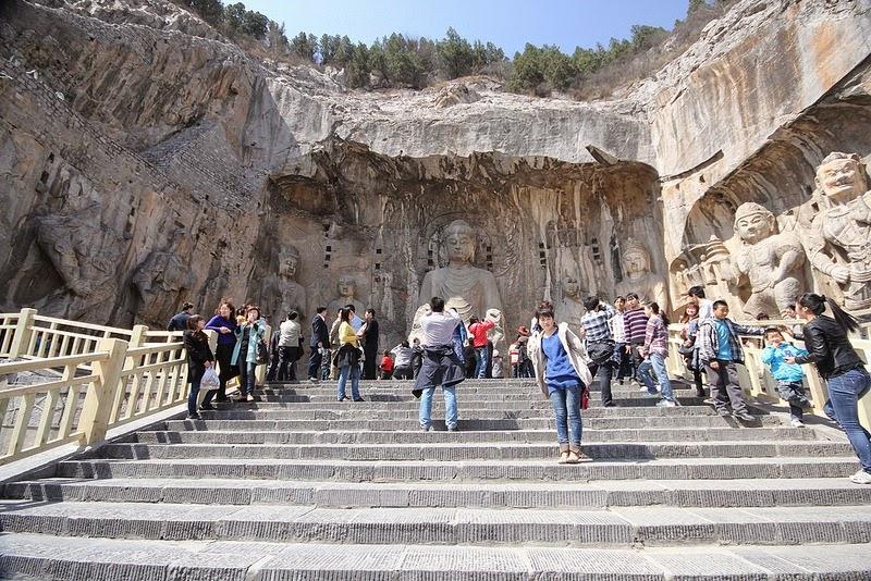 longmen-grottoes-9