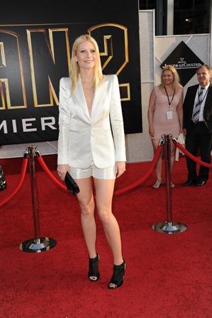 Gwyneth Paltrow-Ruler Shape