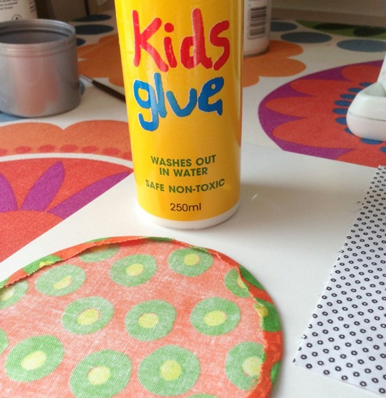 Applique Circle Glue