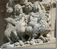 Hombre y dos mujeres - basílica de Saint Sernin - Toulouse