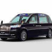 2013-Toyota-JPN-Taxi-concept-02.jpg