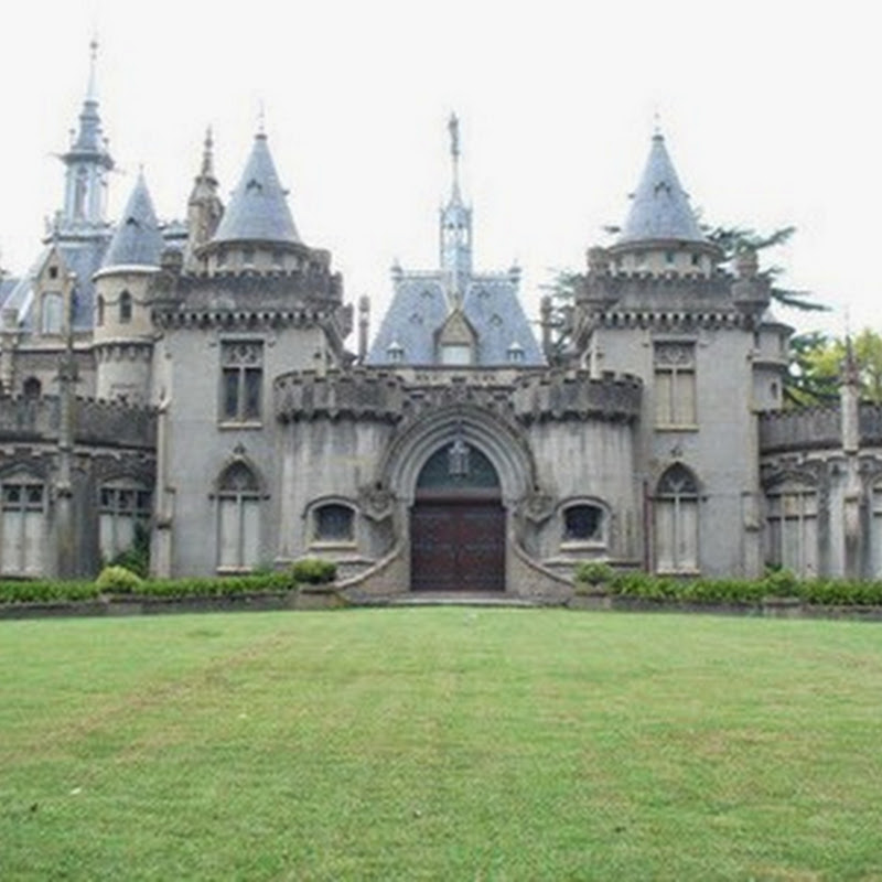 Naveira Castillo Lujan incredible architectural beauty based on gothic structure.
