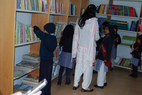 Rotary Books for the World_Hashoo Foundation Distribution (99)