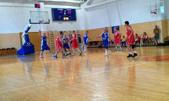 Турнир ветеранов баскетбола в Севастополе 2012