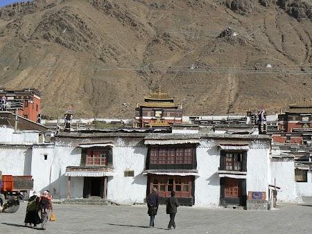 16. Manastirea Shigatse.JPG
