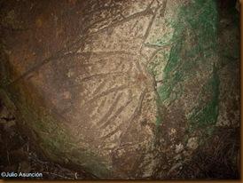 Cuevas de Artetxe - marcas en la roca - posibles grabados prehistóricos