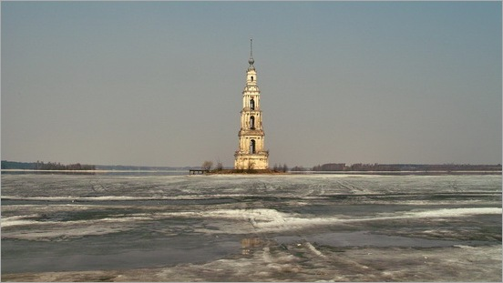 Mysterious_Bell_Tower_Under_The_Lake_10