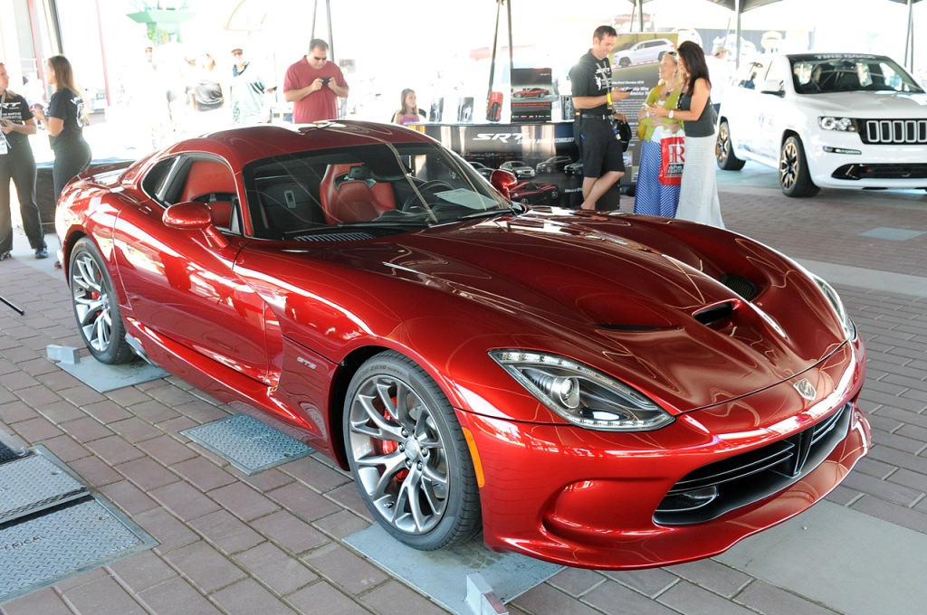 First-Production-2013-SRT-Viper-GTS-1.jpg?imgmax=1800