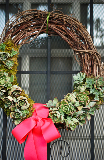 wreath LaurylLane-SucculentWreath-01
