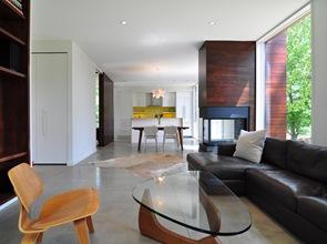 decoracion-interior-casa-con-chimenea