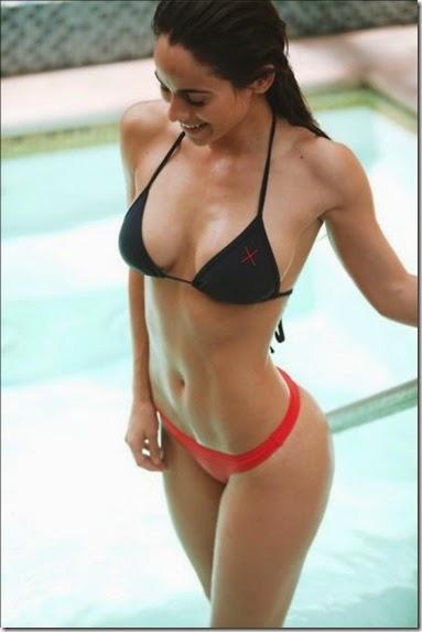 summer-bikinis-babes-010