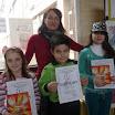 uceitaljica sa svojim nagradjenim djacima.JPG